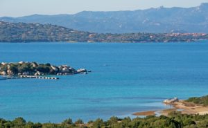 excursión en bote a Tavolara y Molara